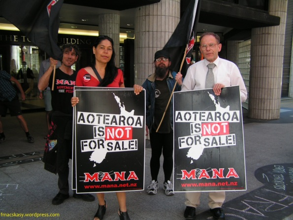 anti-anadarko protest - midland park - wellington - NZ - 24 January 2014